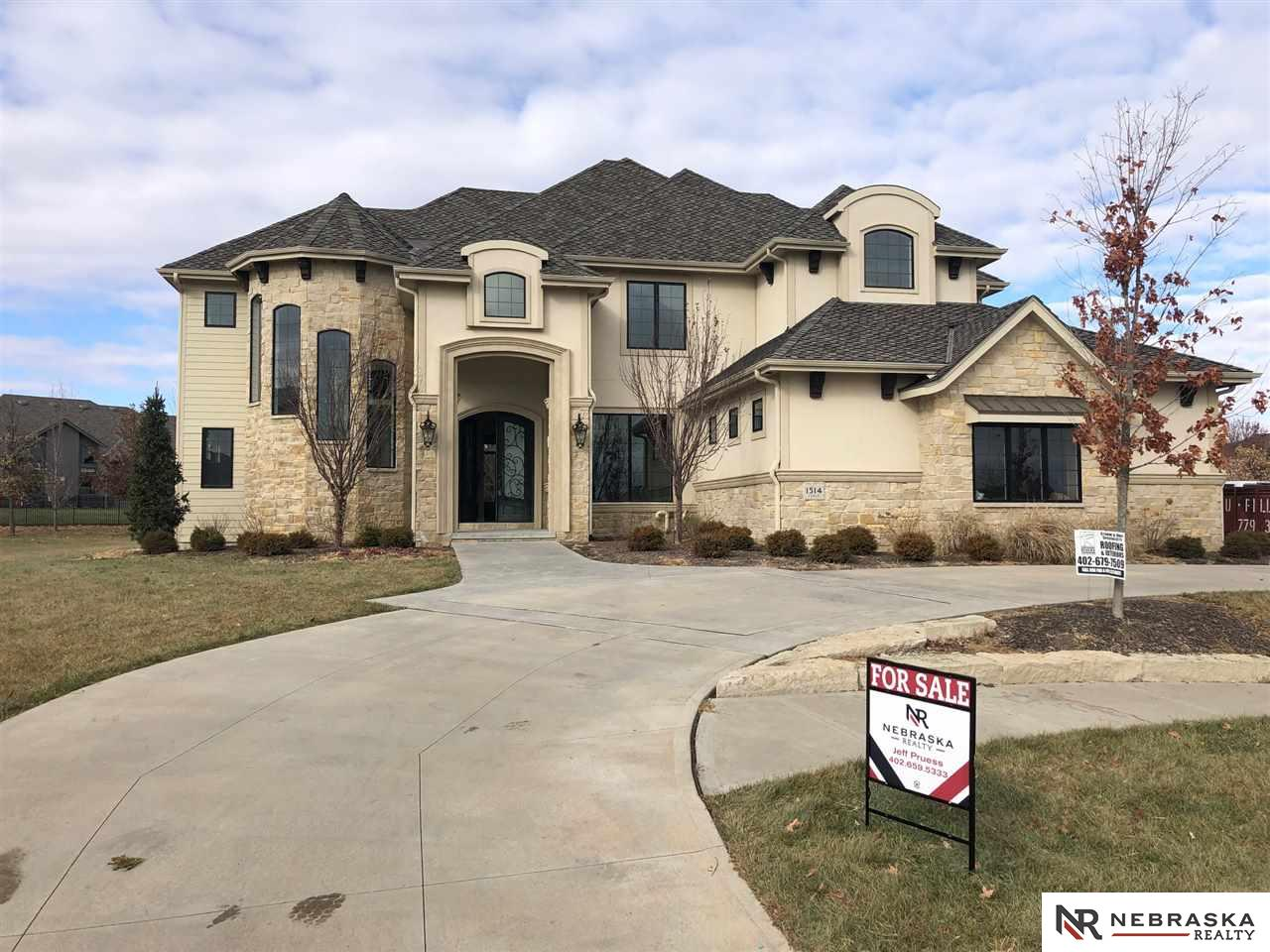 1514 S 218th Avenue, Elkhorn