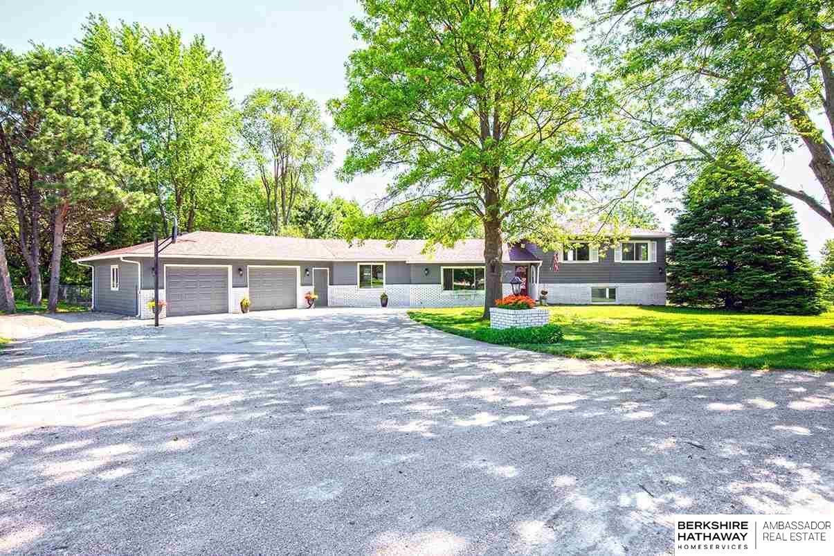 Photo of 10741 Earl Avenue Bennington NE 68007
