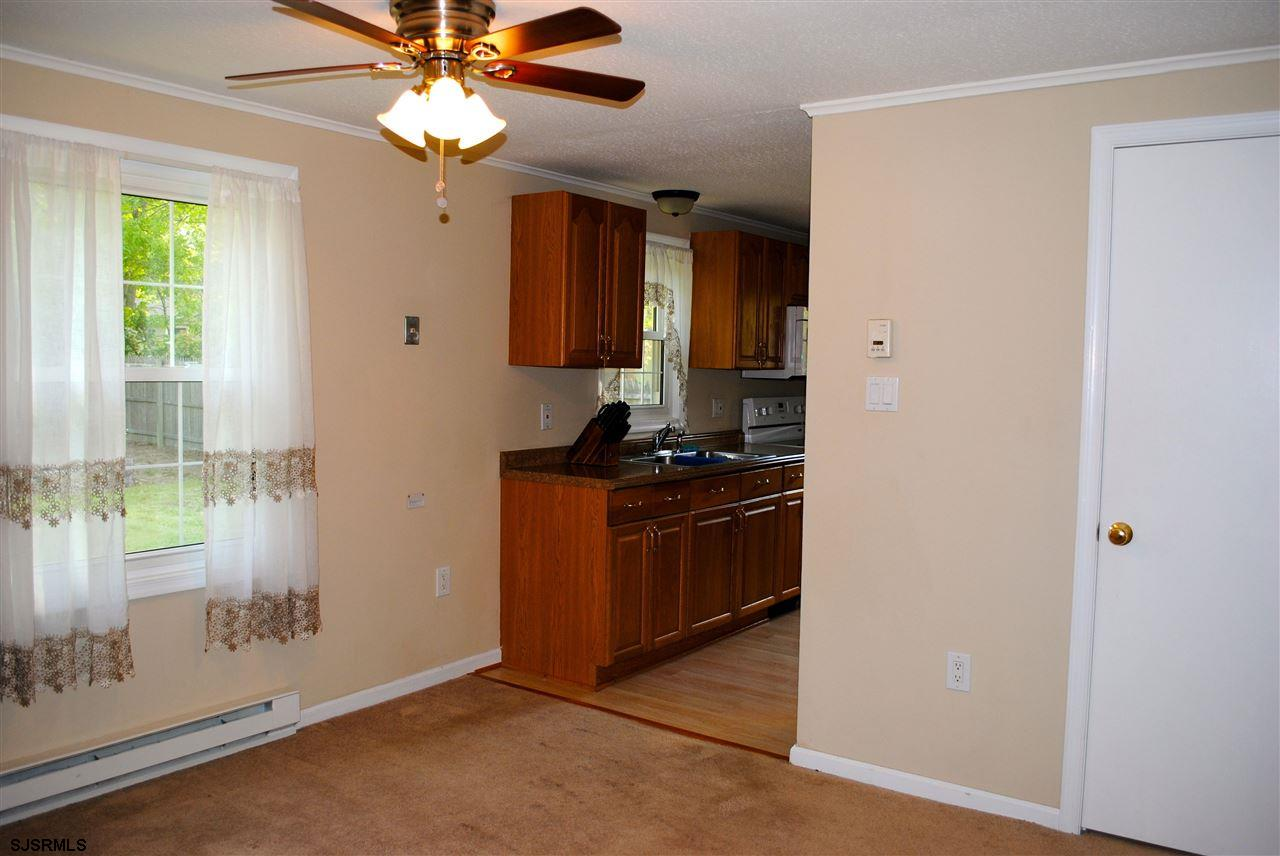 5653 Yale Ave - Picture 12