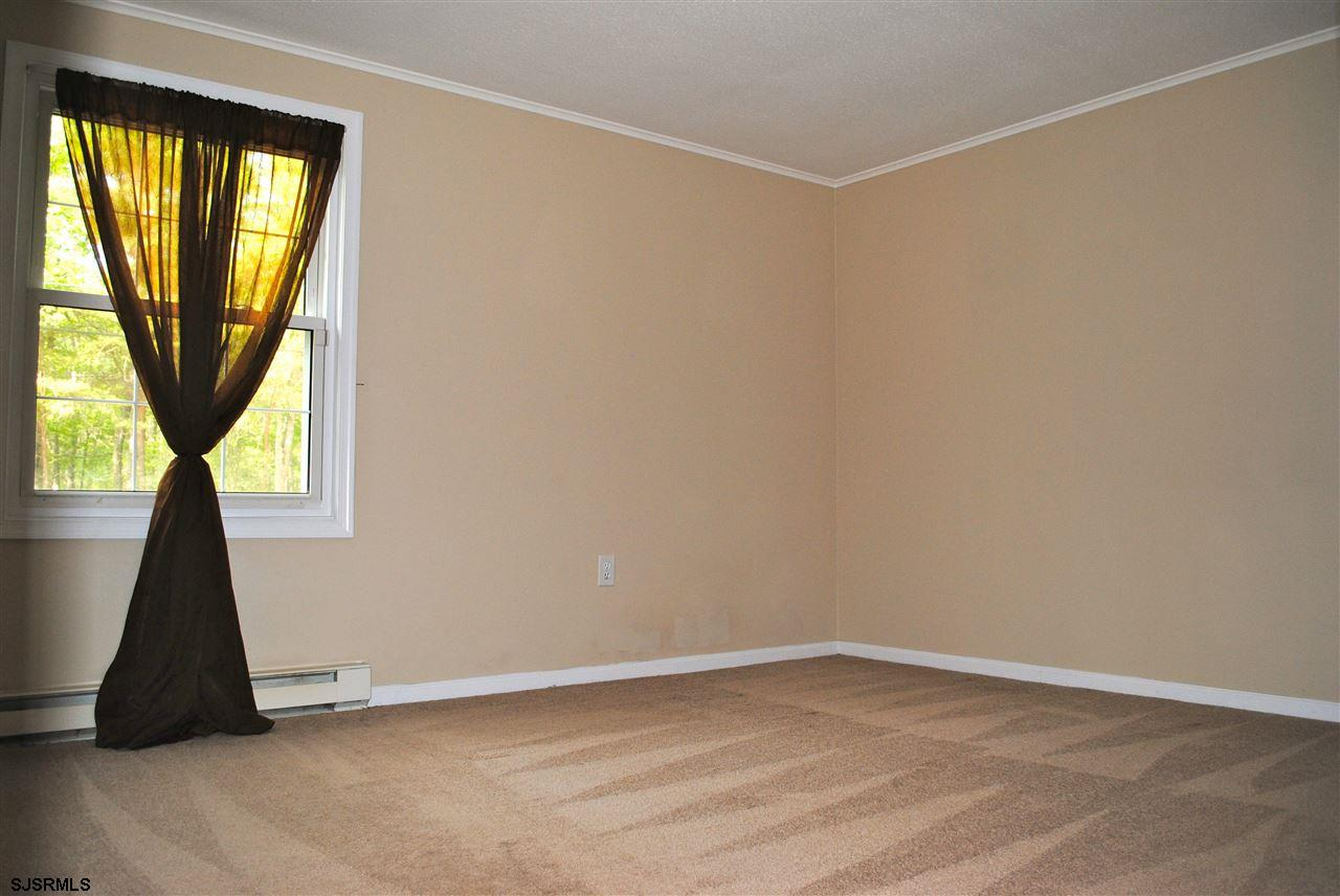 5653 Yale Ave - Picture 16