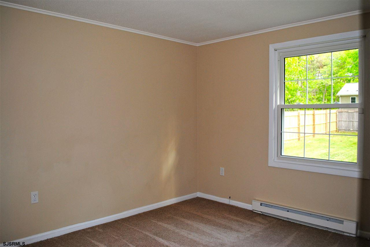 5653 Yale Ave - Picture 17