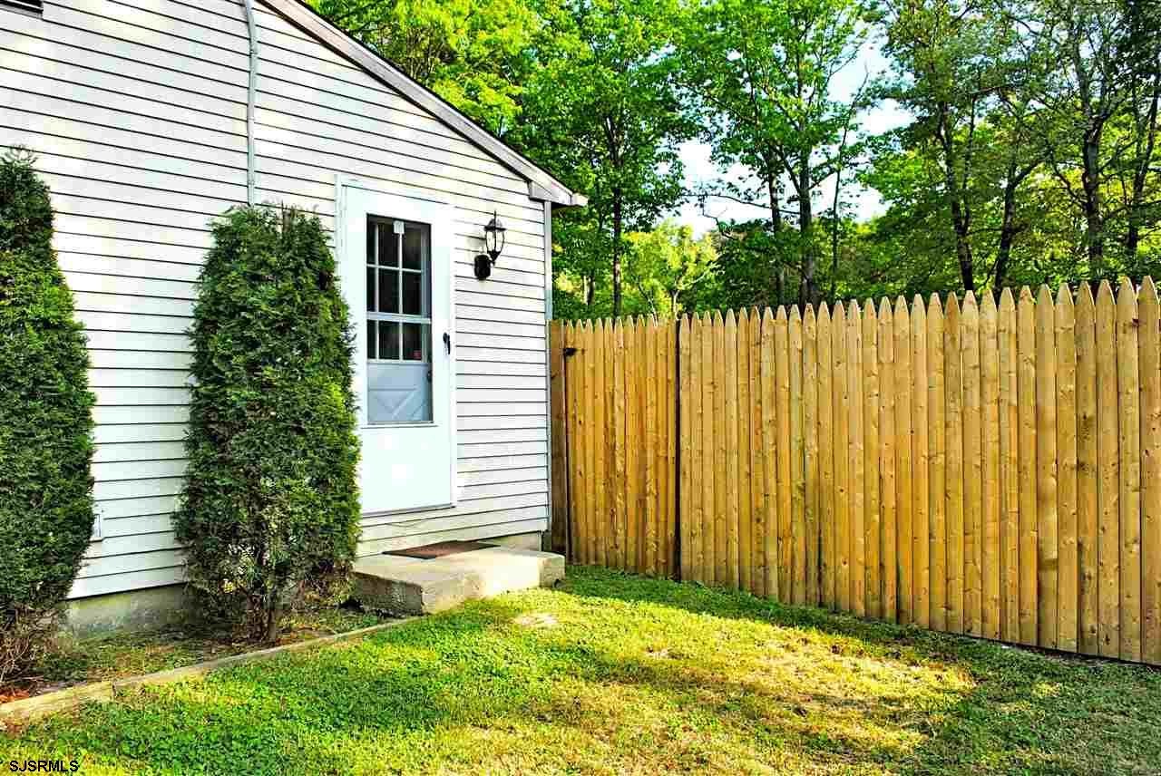 5653 Yale Ave - Picture 22