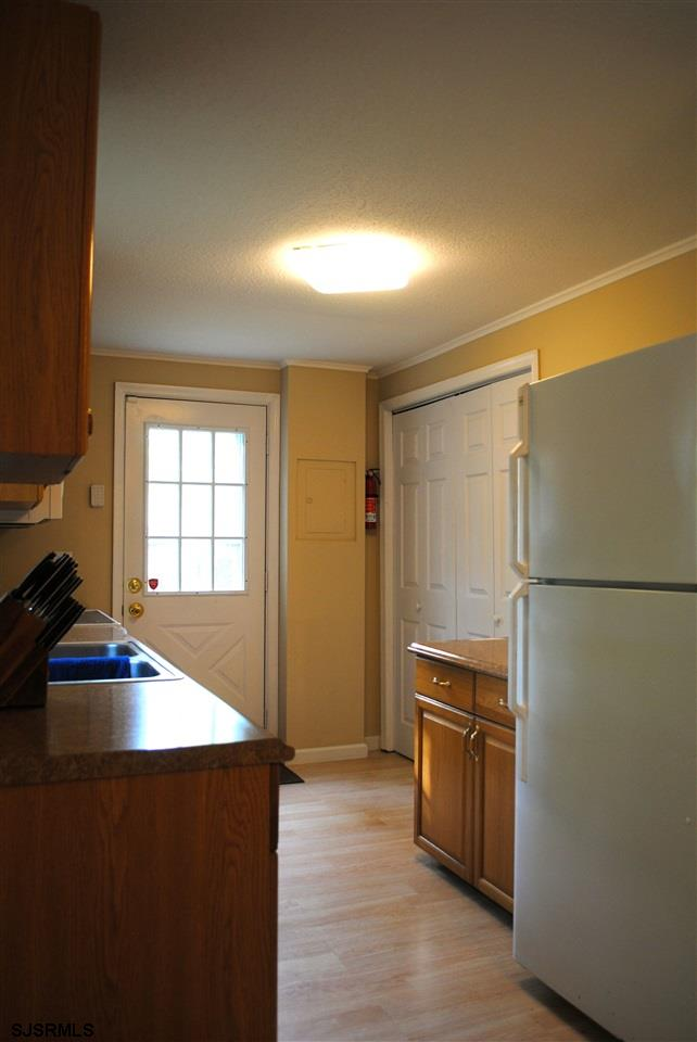 5653 Yale Ave - Picture 9