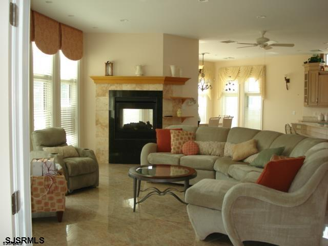 403 S 19th Street - Picture 3