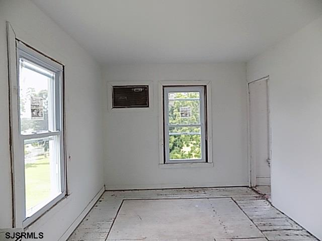 342 Main Street - Picture 11