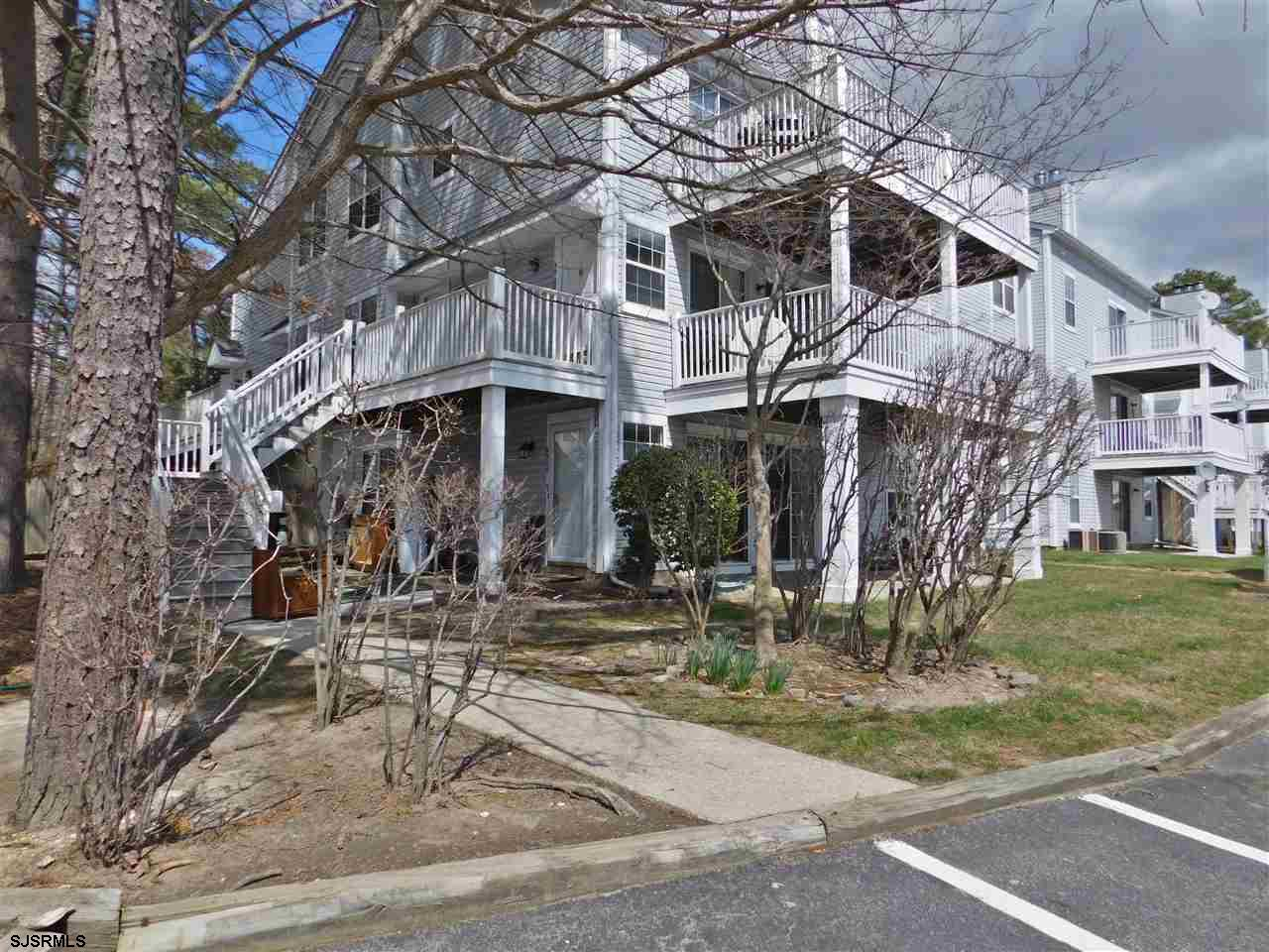Adorable 1st FL 2 Bedroom / 1 Bath condo at the Villages of Hardings Run 2! Comes completely unfurni