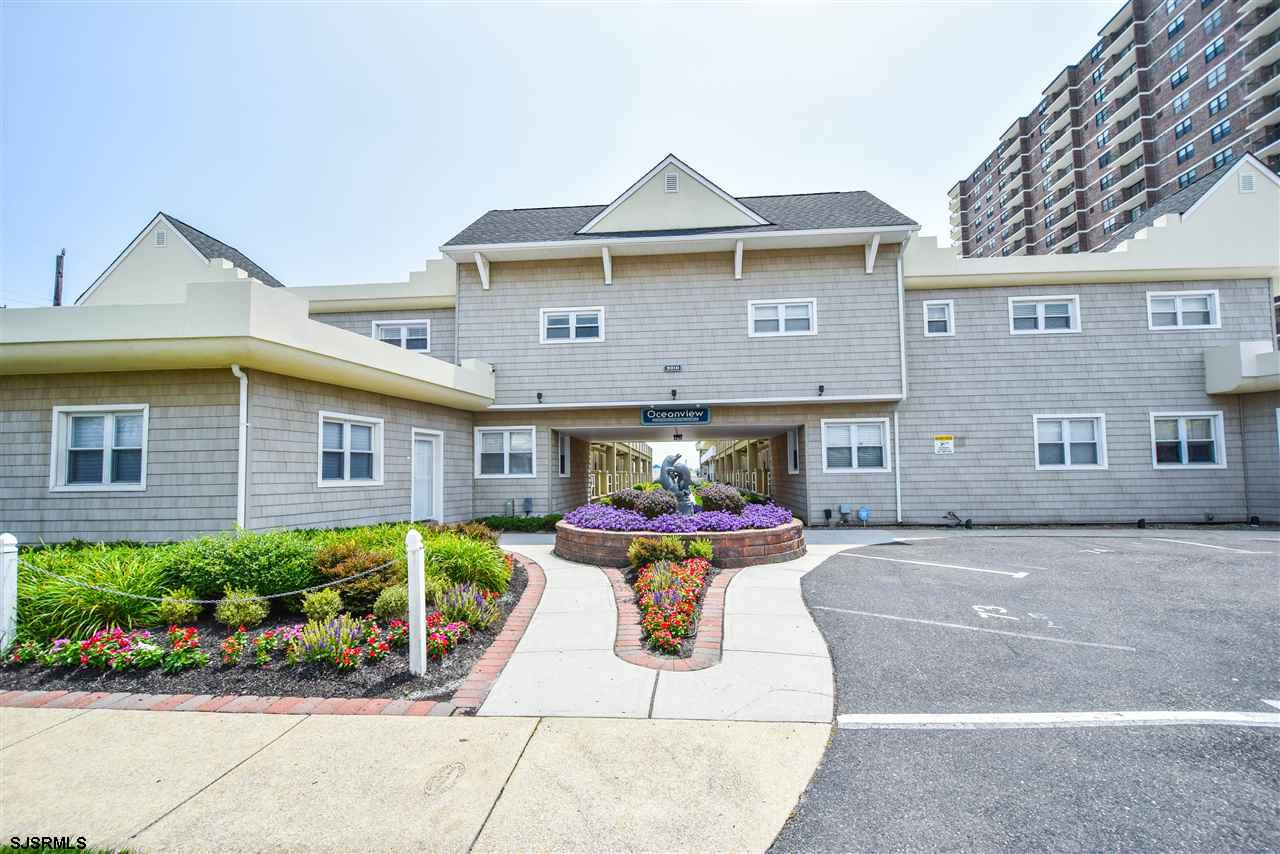 NEW PRICE! Absolutely adorable and spacious  studio apt with sensational oceanviews.  Located on the