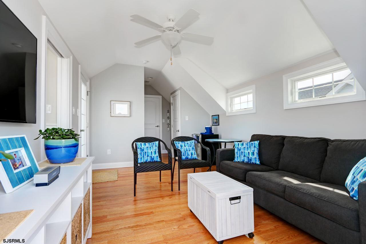 27 N Manor Avenue - Picture 17