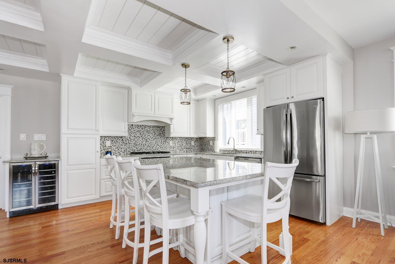 27 N Manor Avenue - Picture 3