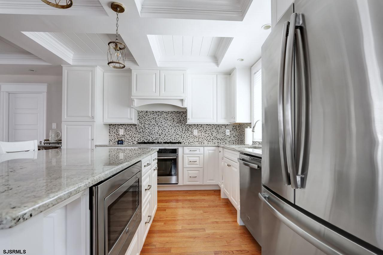 27 N Manor Avenue - Picture 4