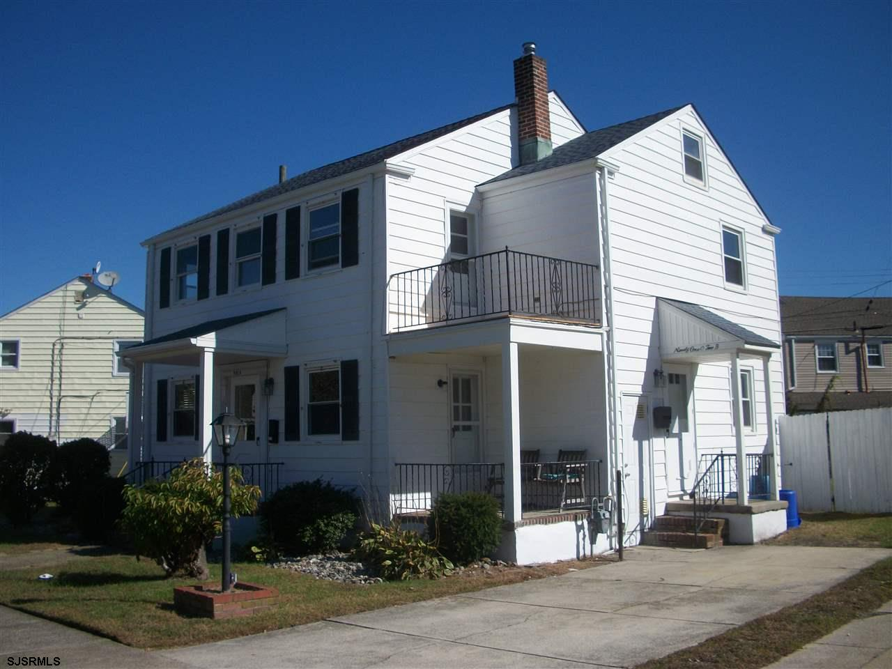 Freshly painted and ready to go!  2 Bedroom 1 Bath Second Floor Duplex with a Deck off the Family Room and a Little View of the Bay!  Nice Hardwood Floors and Lots of Storage including a Walk In Closet. Close to Restaurants and Bay.  No Pets, No Smokers.