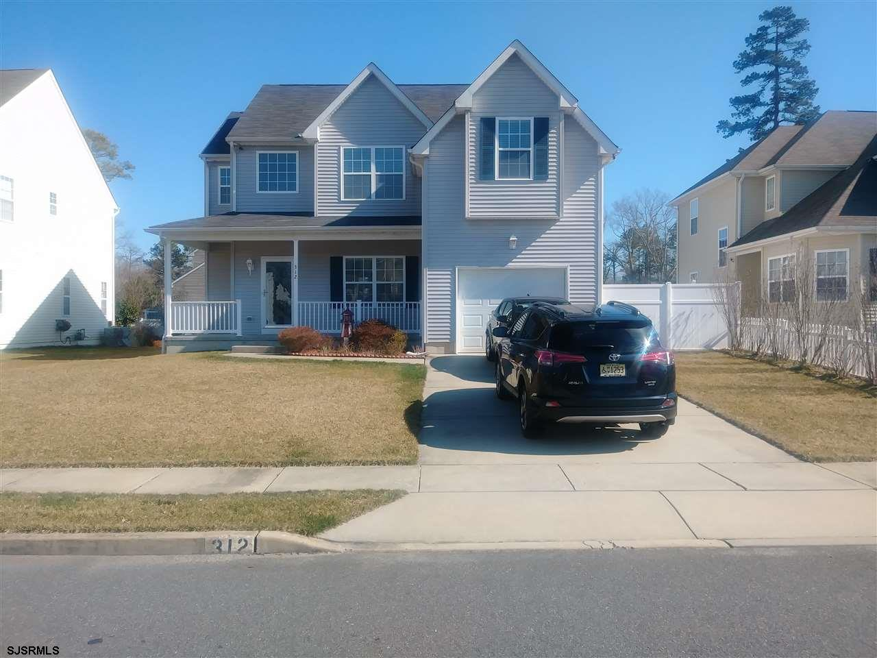 WELCOME HOME TO MEADOWS DRIVE.EZ TO SHOW OWNERS USUALLY HOME.  BRING YOUR FUSSIEST BUYERS! METICULOU