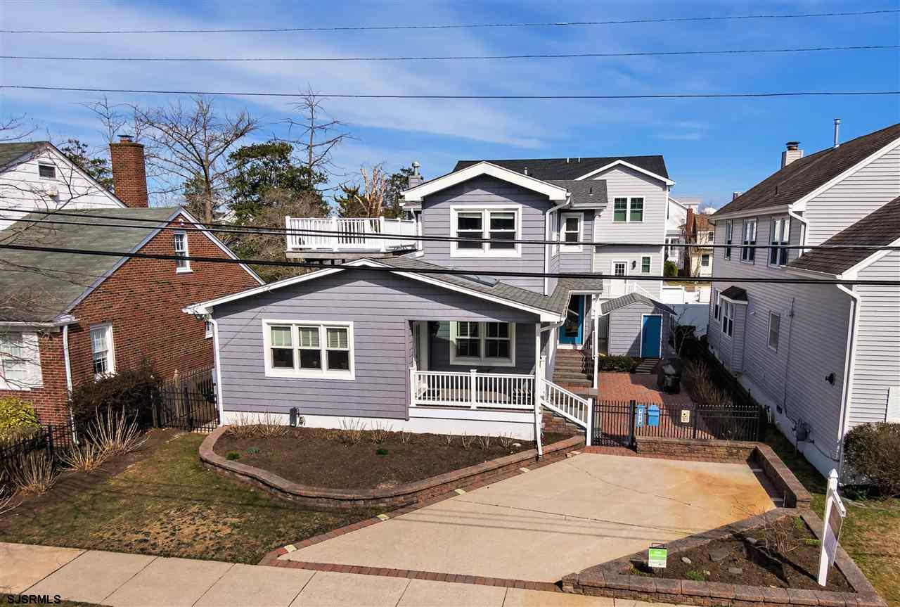 MUST-SEE PARKWAY BEAUTY!! Renovated from top to bottom in 2018/2019 this gorgeous 2-story home featu