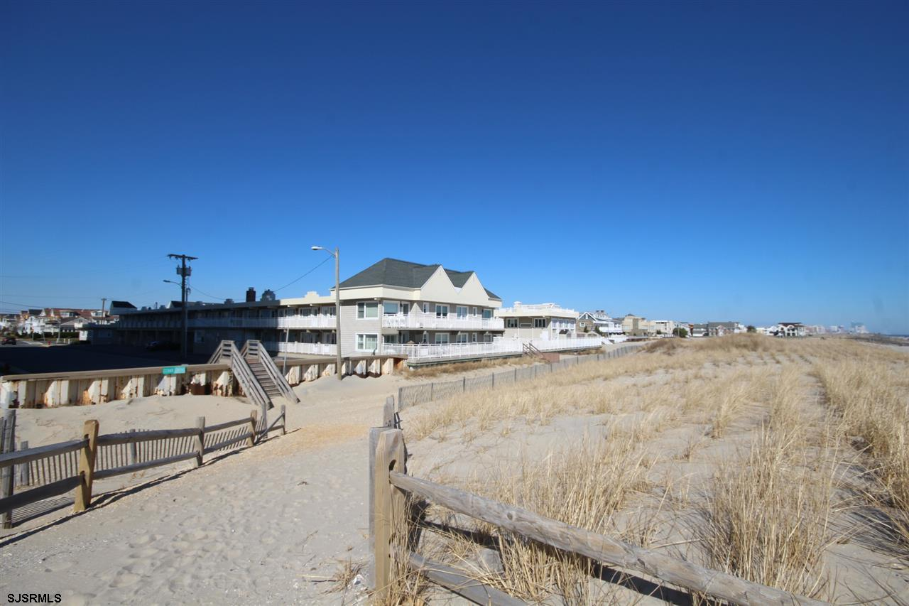 Beautifully remodeled 1 bedroom unit in Oceanfront complex located in beautiful Margate, NJ. Unit wa