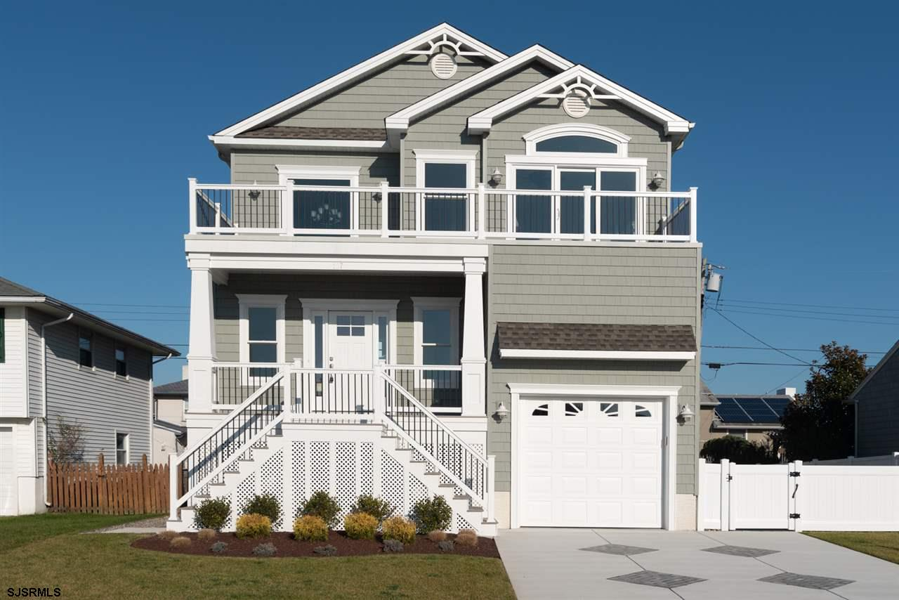 Brand new Beach block home Under Construction. Central business district living were you can walk ev