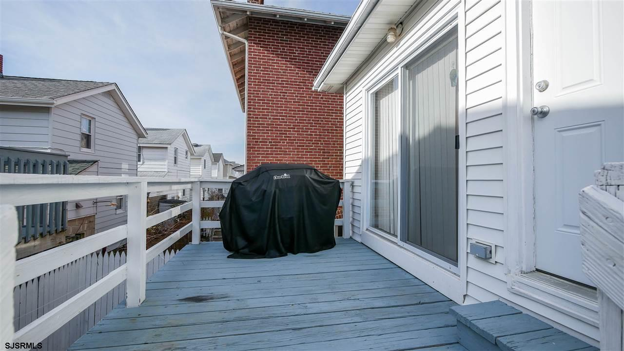 104 N Troy - Picture 25