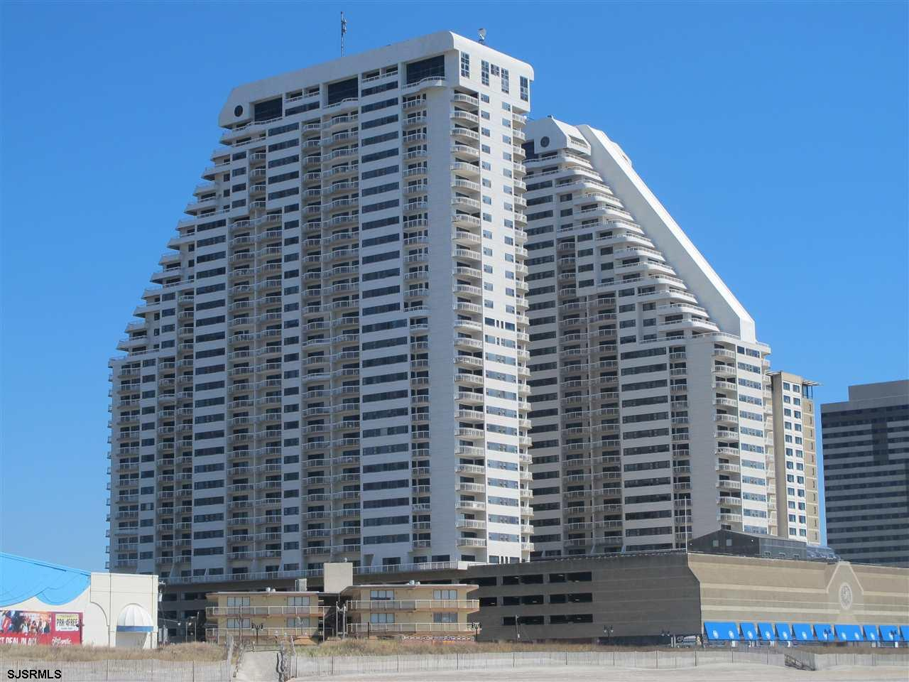 This 18th Floor, Freeport Model has 1 BR and 1.5 baths. It is a corner condo at the luxury Ocean Clu