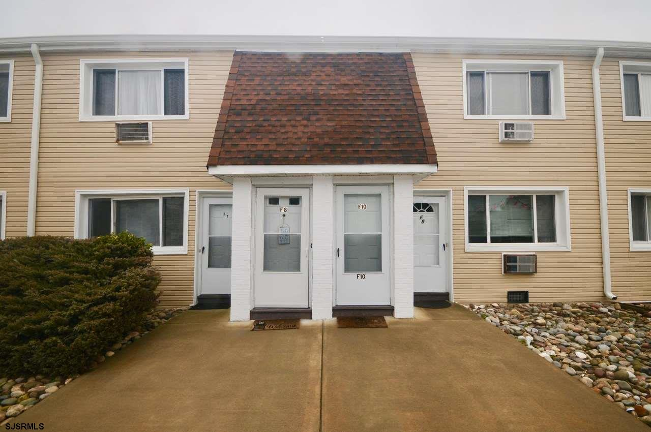 Well maintained Dolphin Cove renovated 2nd Fl unit - 1 Bedroom, 1 Bath  New laminate flooring , popc
