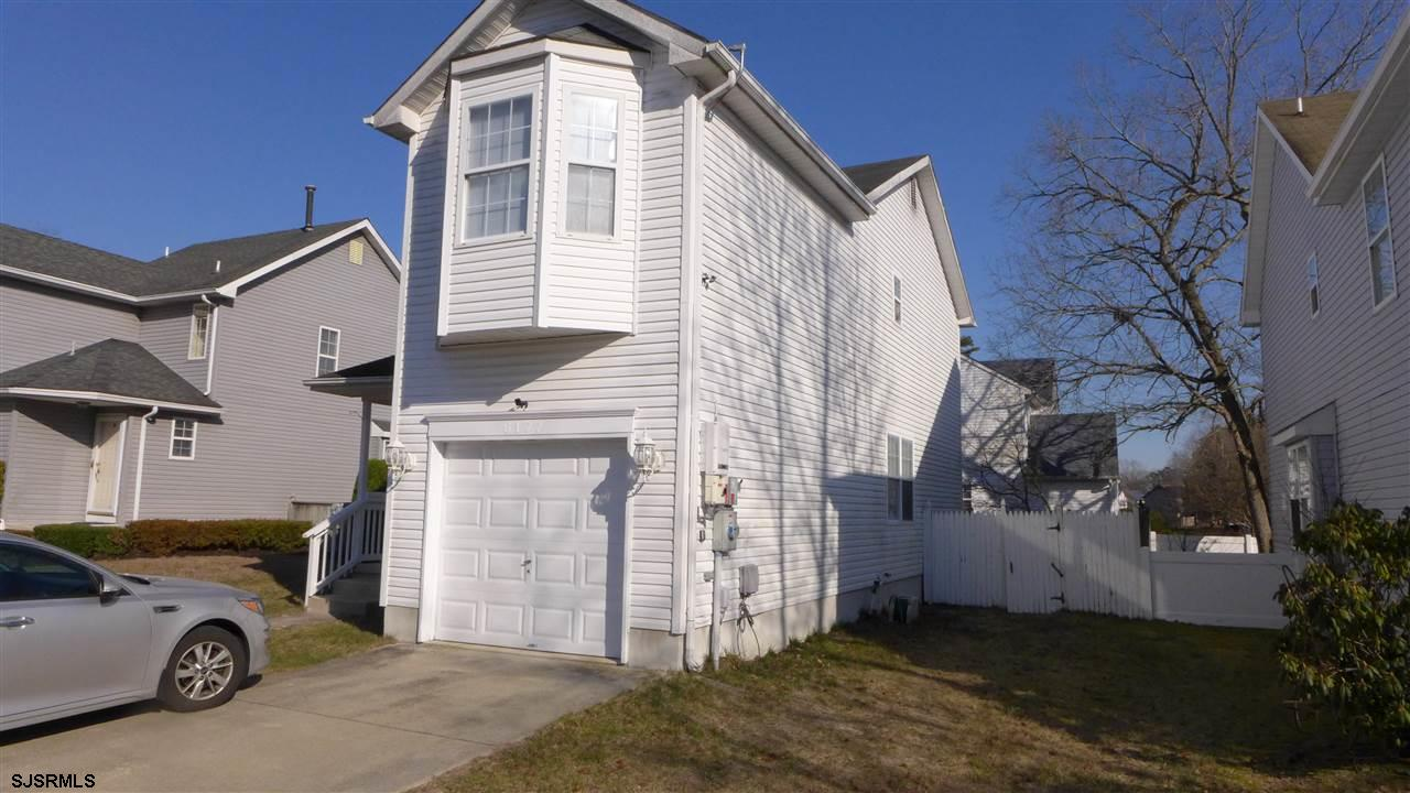 Great buy in Hamilton Point. This 3 bedroom 2.5 bath home sits in one of Mays Landings family friend