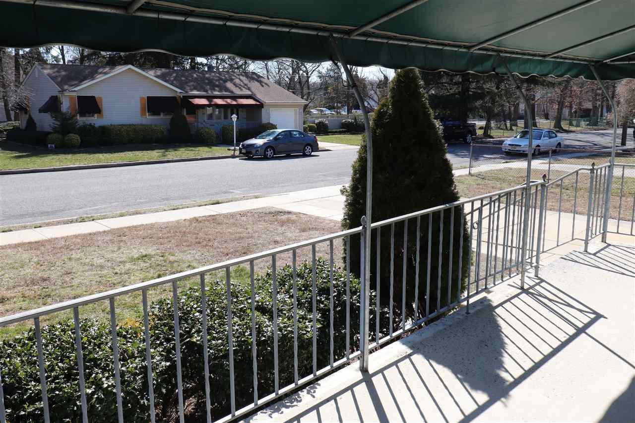 701 Maple Avenue - Picture 3