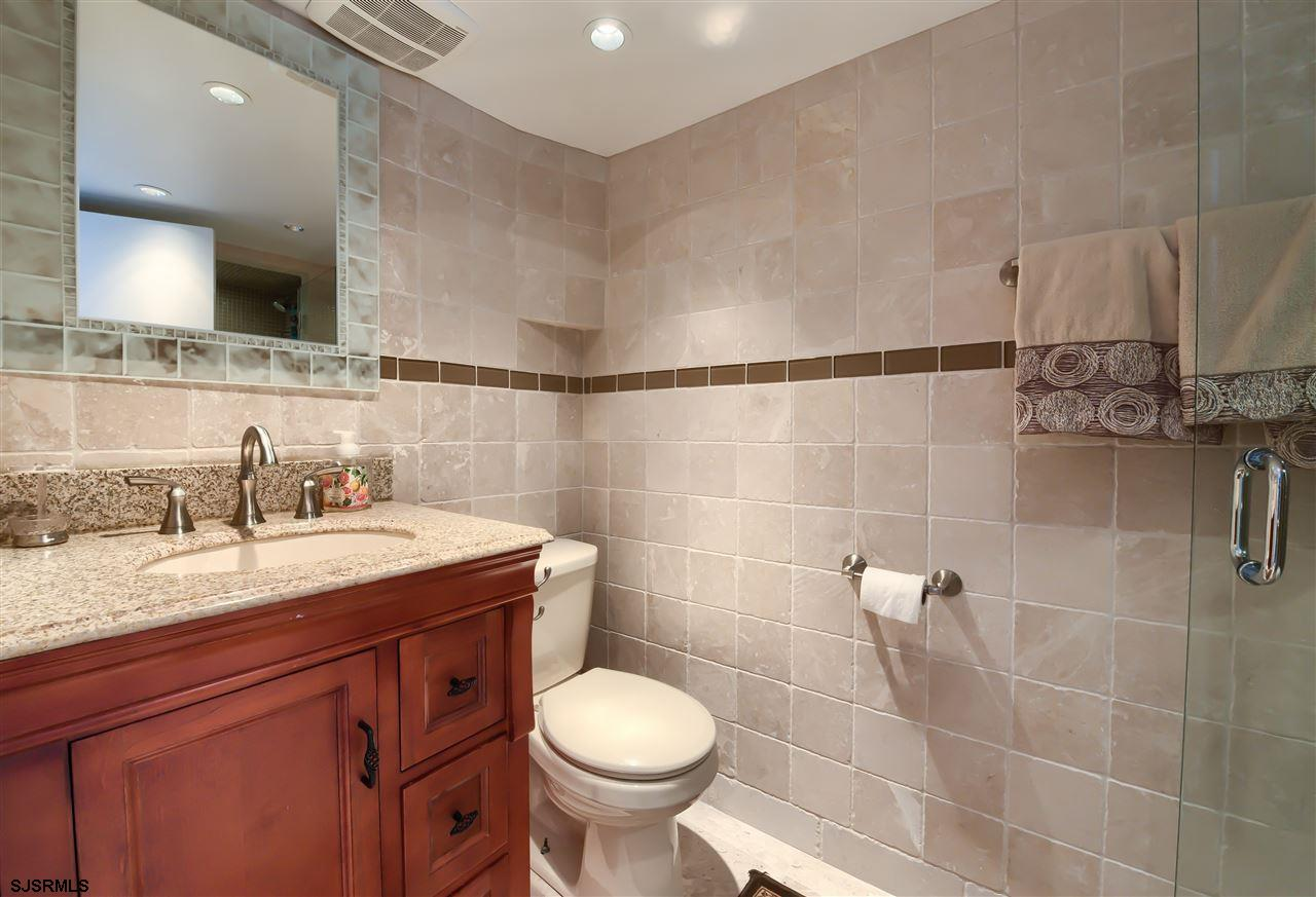 7402 Amherst Avenue - Picture 22
