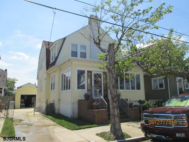 56 N Bartram Avenue - Picture 1