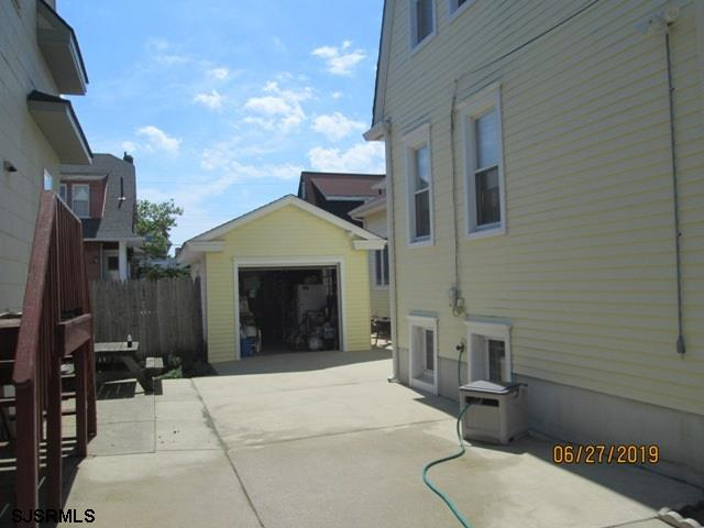 56 N Bartram Avenue - Picture 3