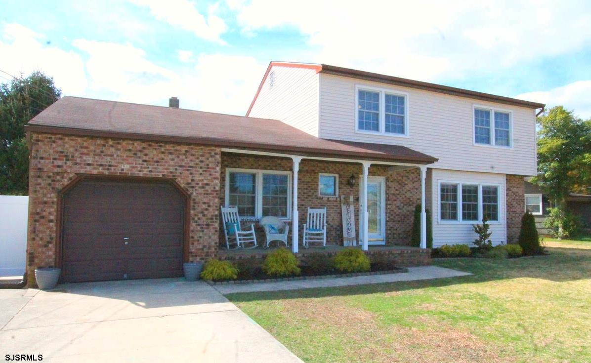 Current style and move in ready! 4 bedrooms & 3.5 bathrooms! Newer HVAC, vinyl fence, flooring, ligh