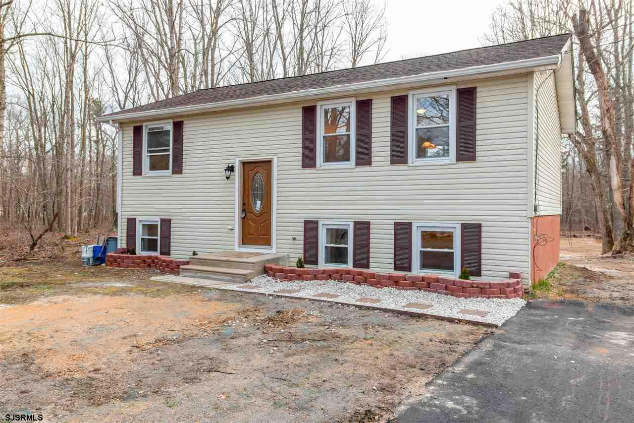 Beautifully remodeled 4-bed 2.5 bath bi-level in Newtonville(just on the outskirts of Mayslanding).