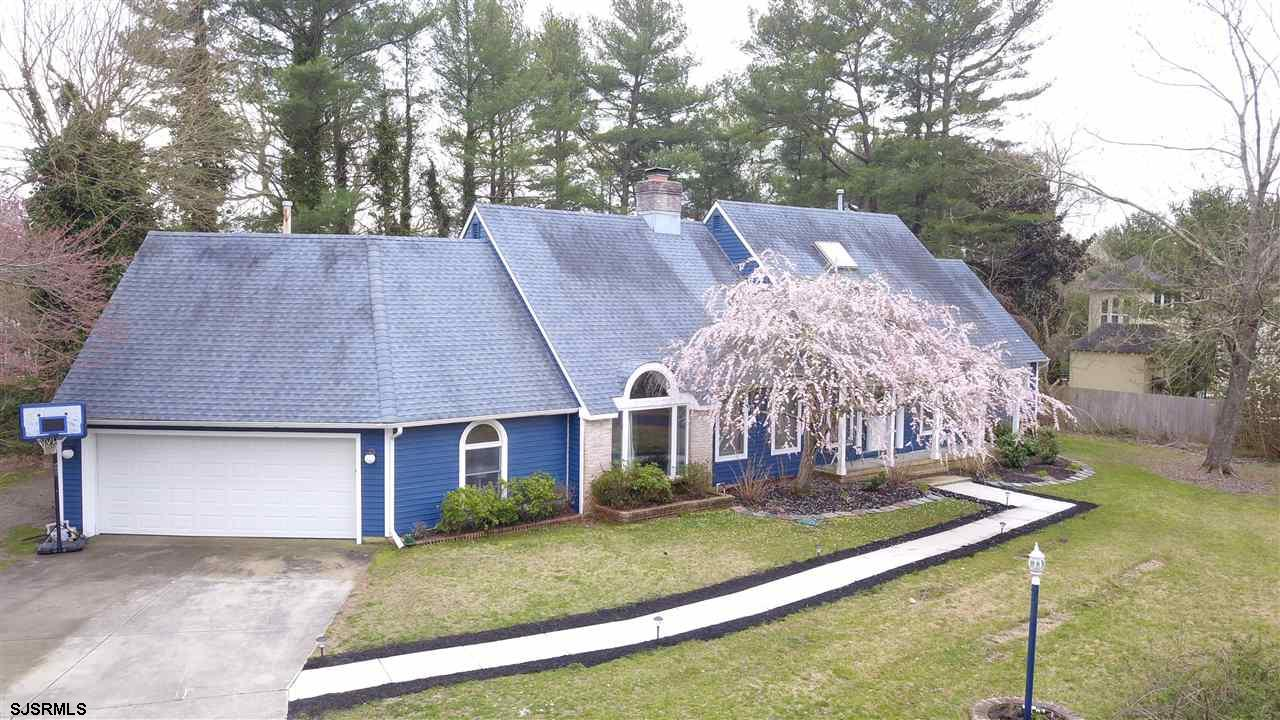 Wonderful 2,600 Square Foot 4+ Bedroom Home On A Cul-De-Sac In FISCHER WOODS.  Master Bedroom On The