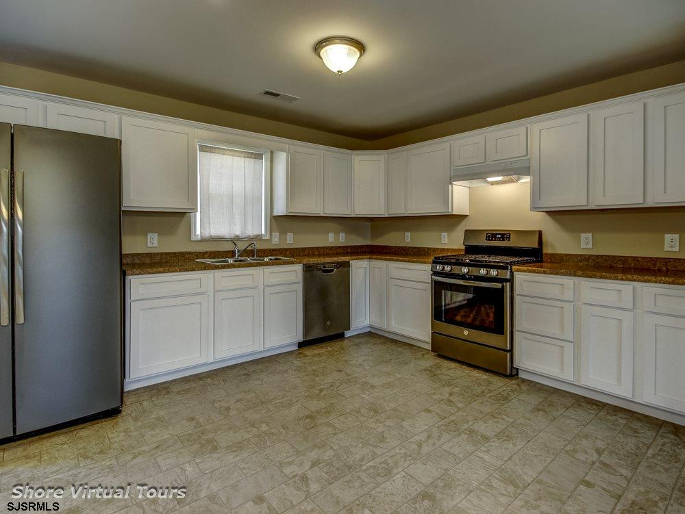 613 N Dudley Avenue - Picture 11