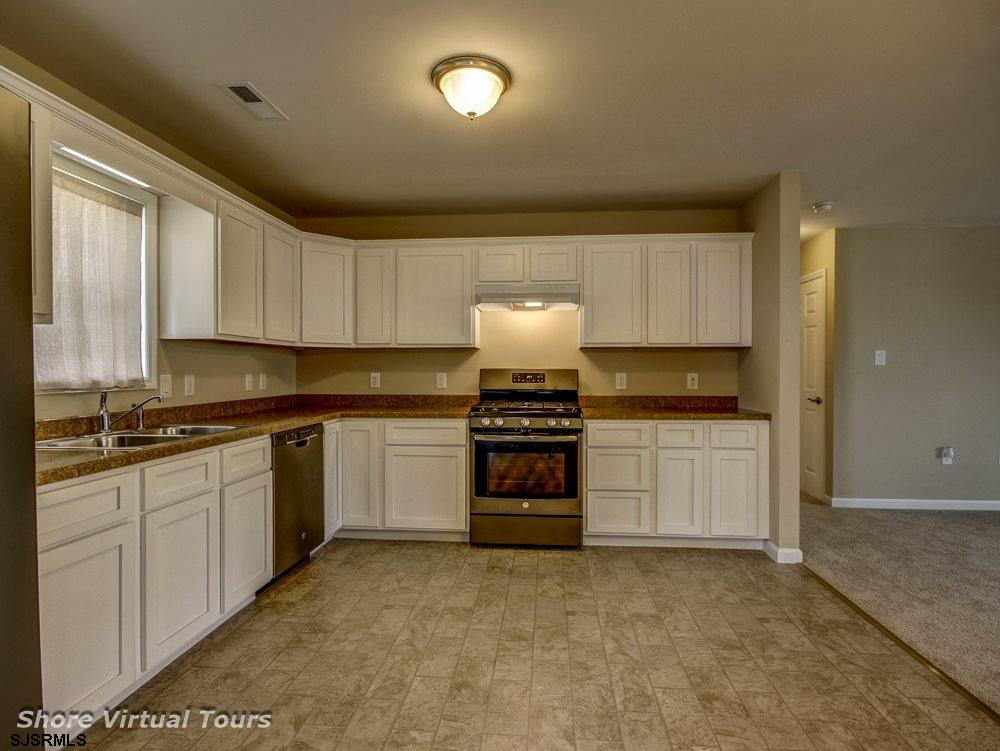 613 N Dudley Avenue - Picture 12