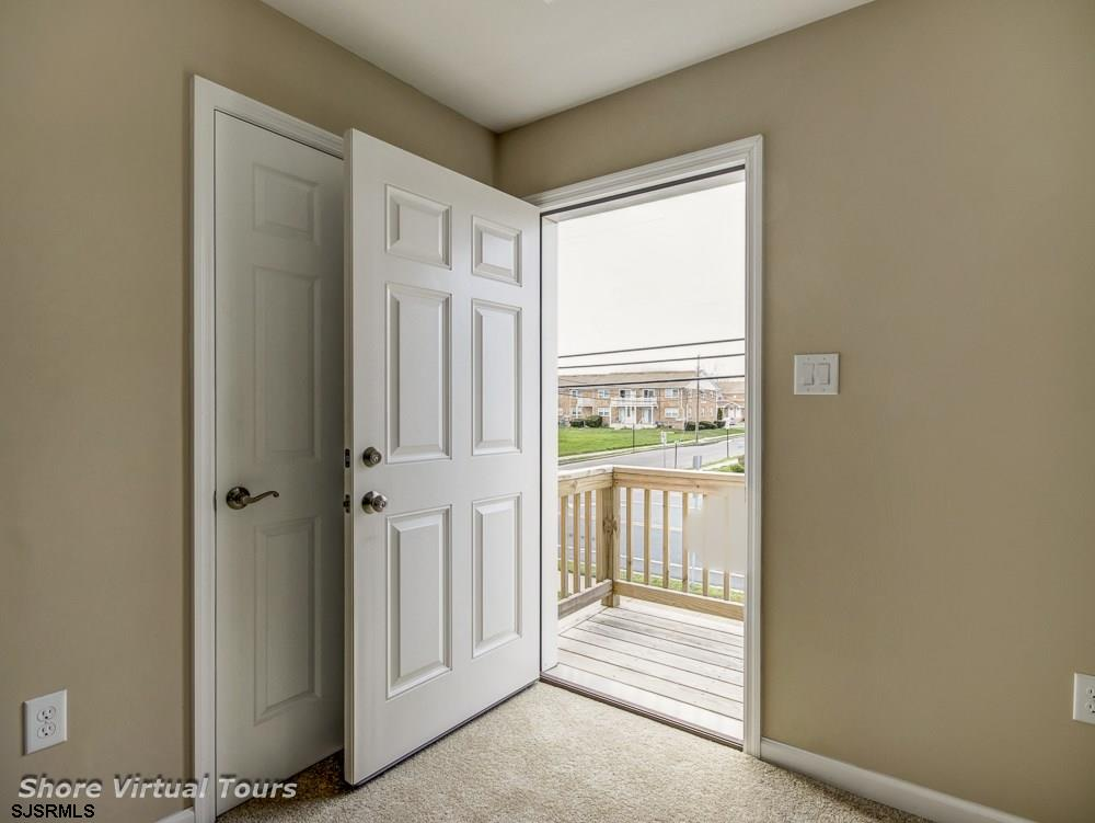 613 N Dudley Avenue - Picture 15