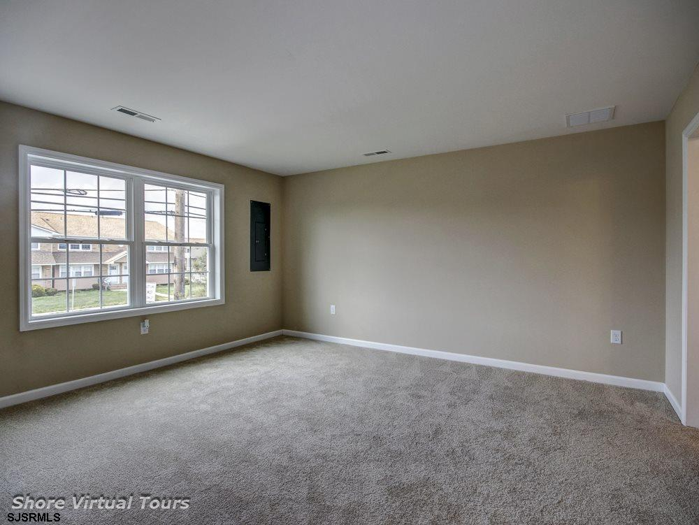 613 N Dudley Avenue - Picture 17