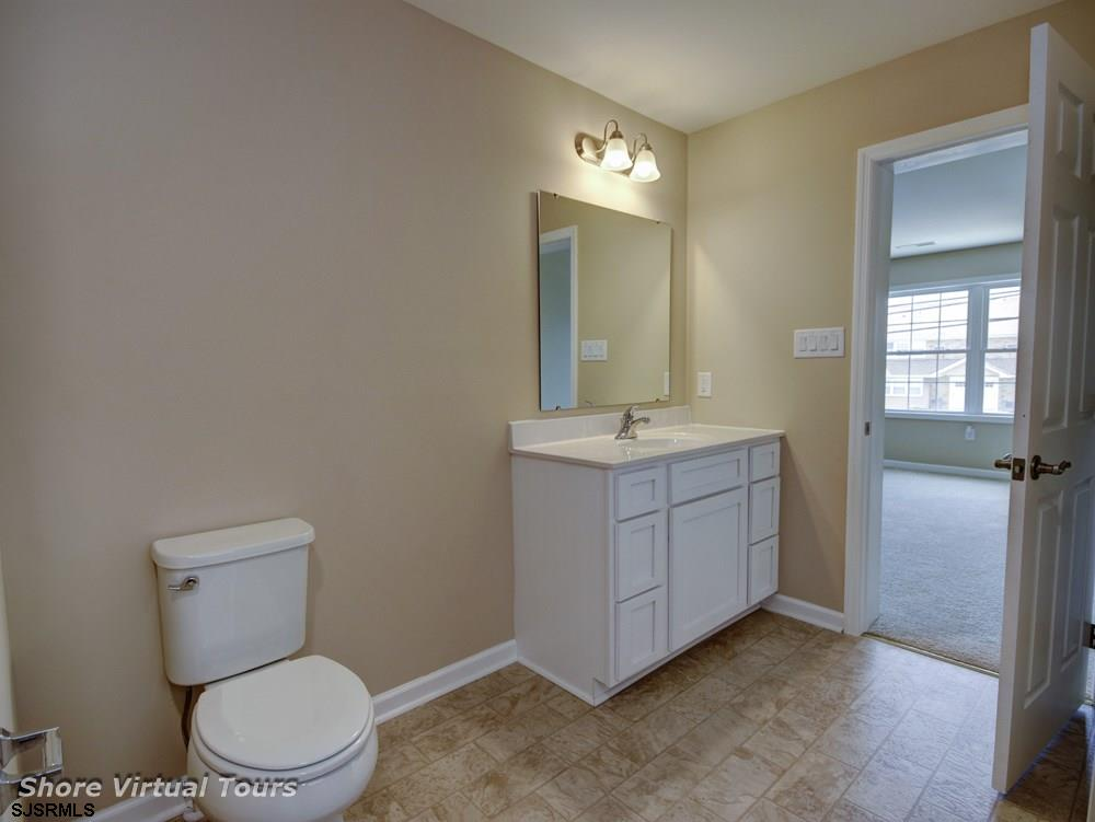 613 N Dudley Avenue - Picture 19