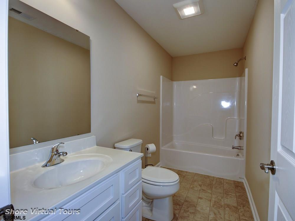 613 N Dudley Avenue - Picture 22