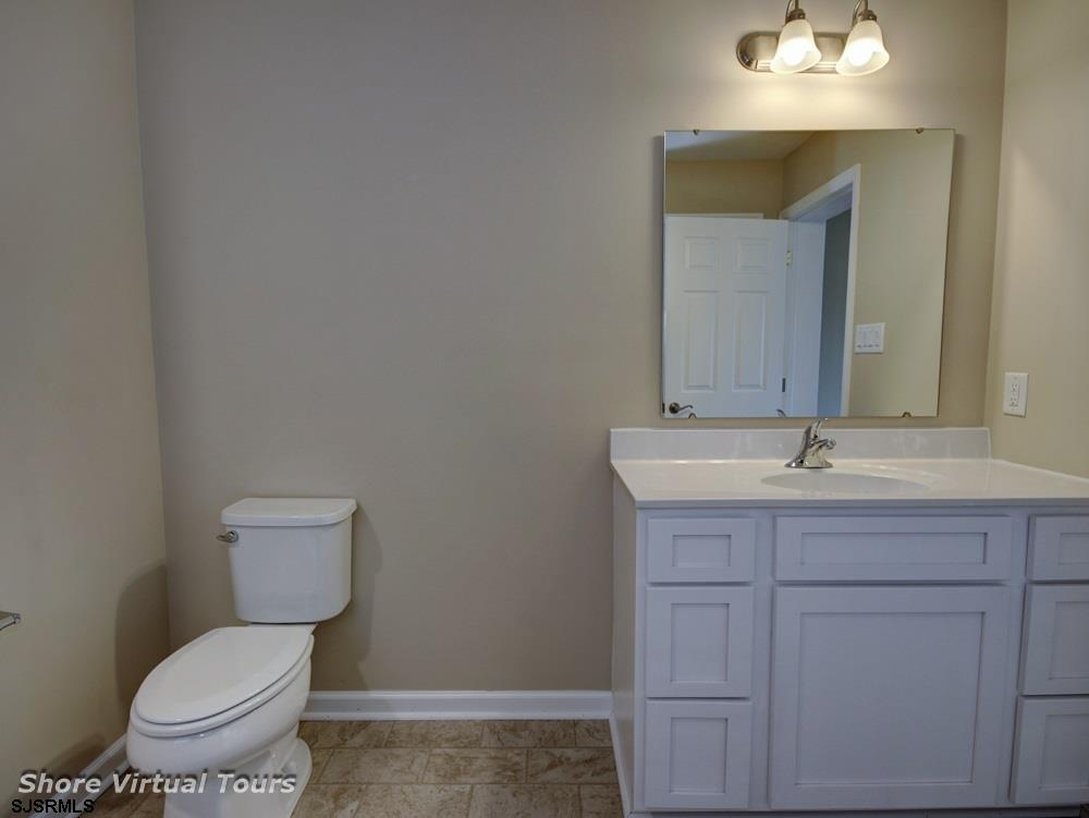613 N Dudley Avenue - Picture 23
