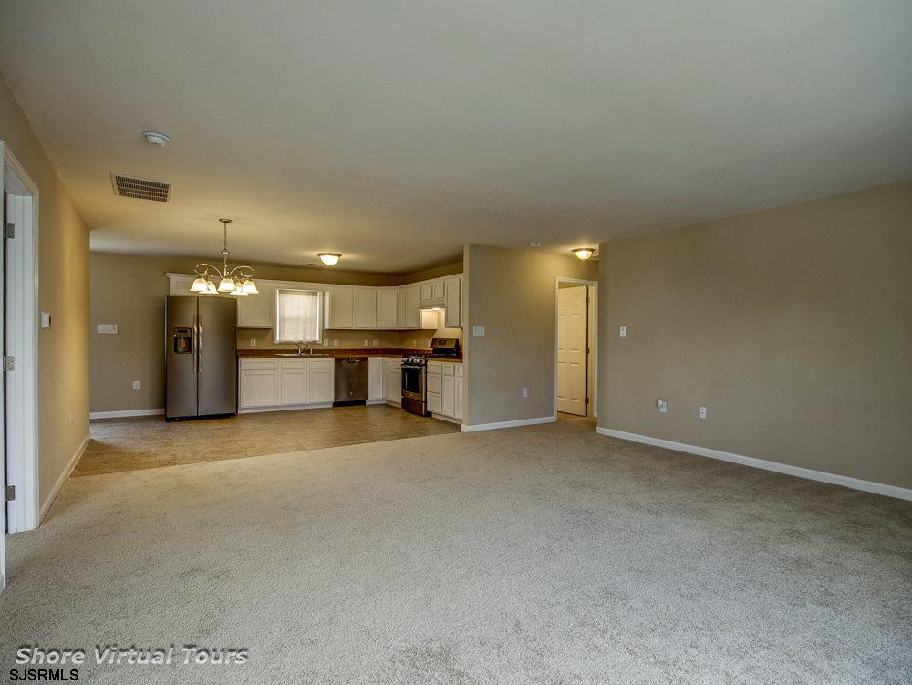 613 N Dudley Avenue - Picture 6