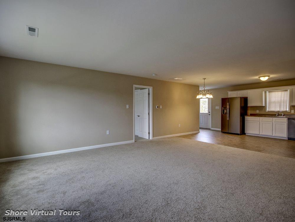 613 N Dudley Avenue - Picture 7