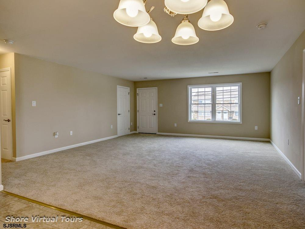613 N Dudley Avenue - Picture 9