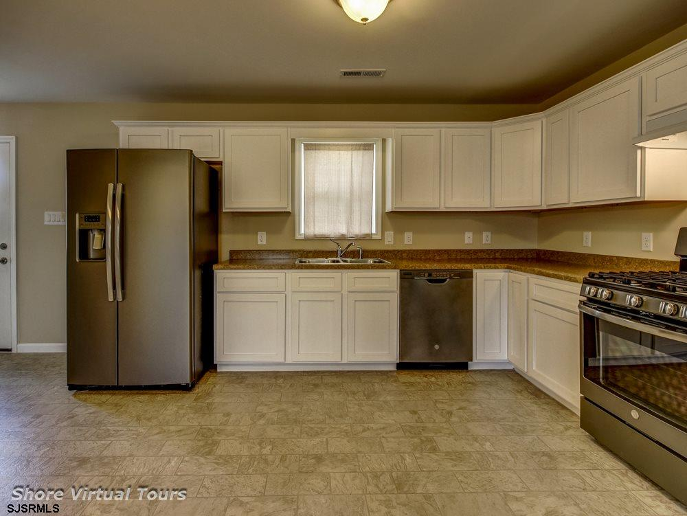 613 N Dudley Avenue - Picture 10