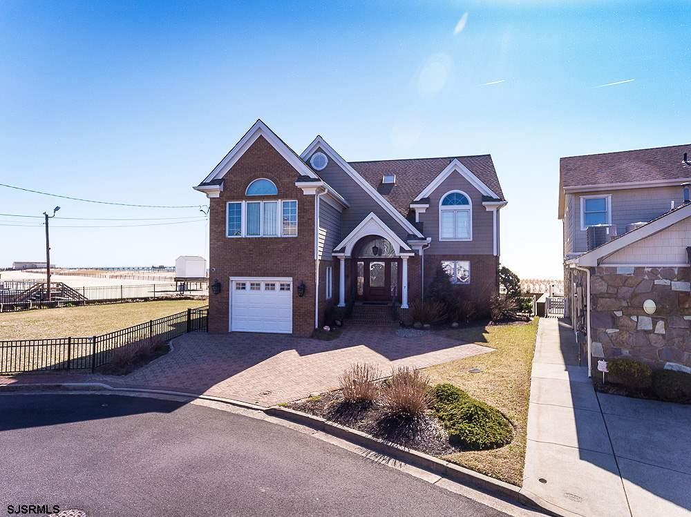 7 Dolphin Dr