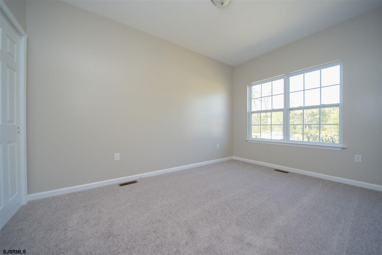 338 Meadows Dr - Picture 15