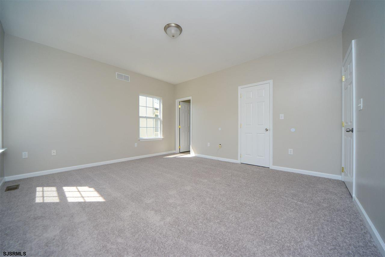 338 Meadows Dr - Picture 18