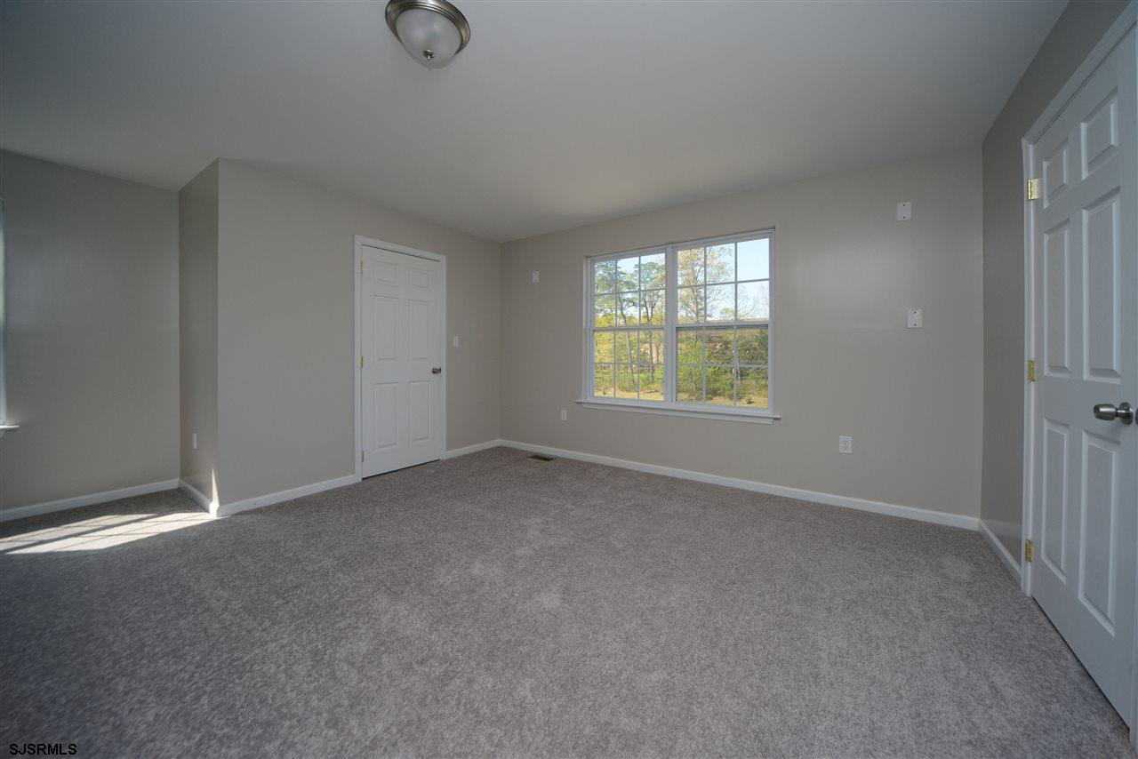 338 Meadows Dr - Picture 19