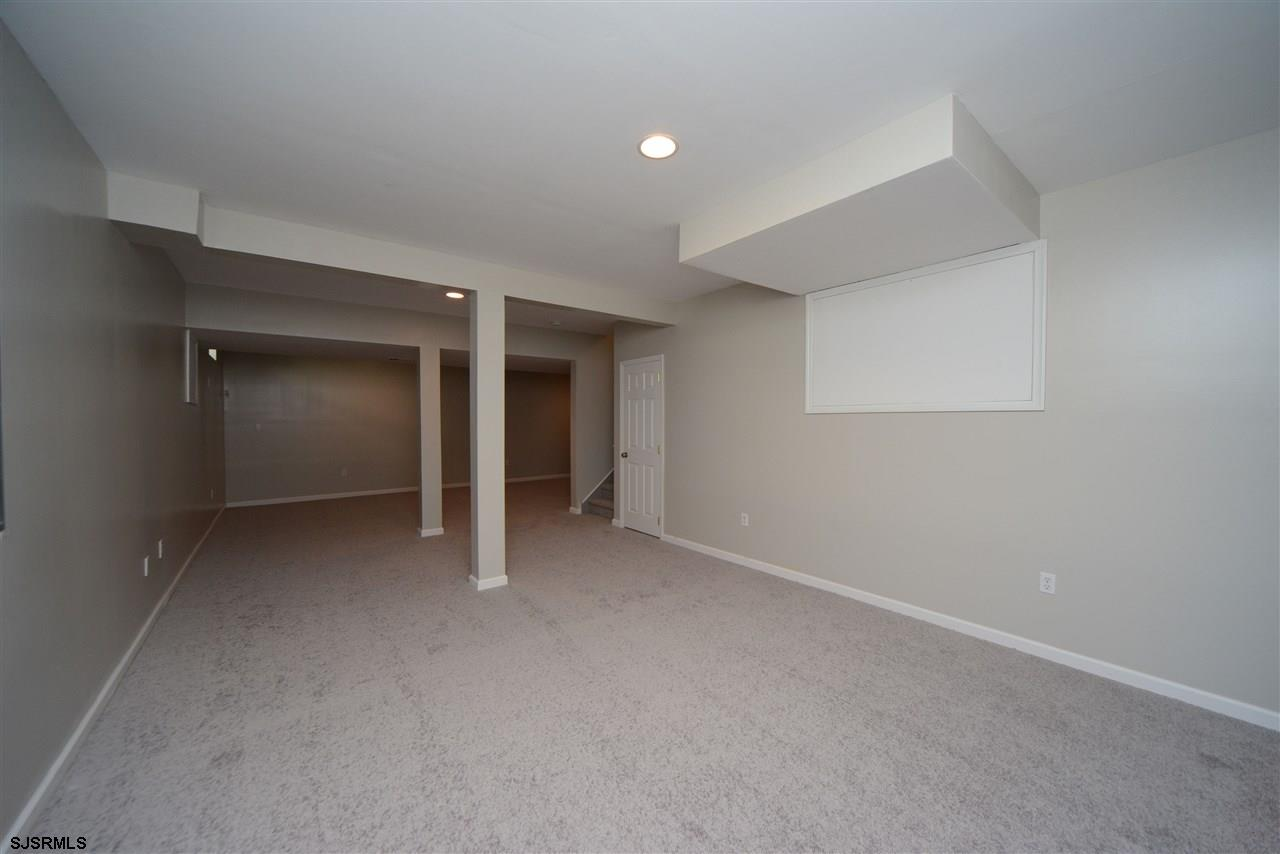 338 Meadows Dr - Picture 23