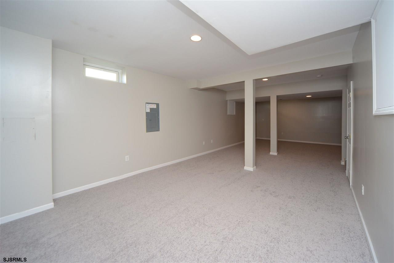 338 Meadows Dr - Picture 24