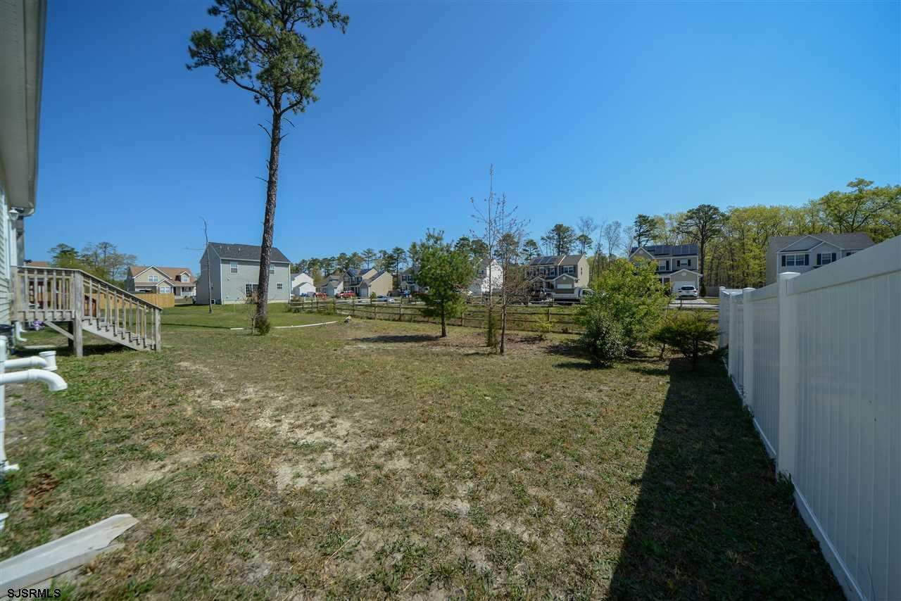338 Meadows Dr - Picture 5