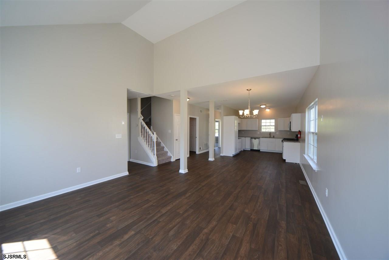 338 Meadows Dr - Picture 6