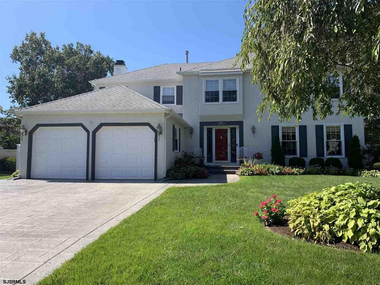*SHIRES SHOWSTOPPER* Welcome to this 4Bdrm,2.5Bath 2 Story turn-key Stunner! Love at first sight as
